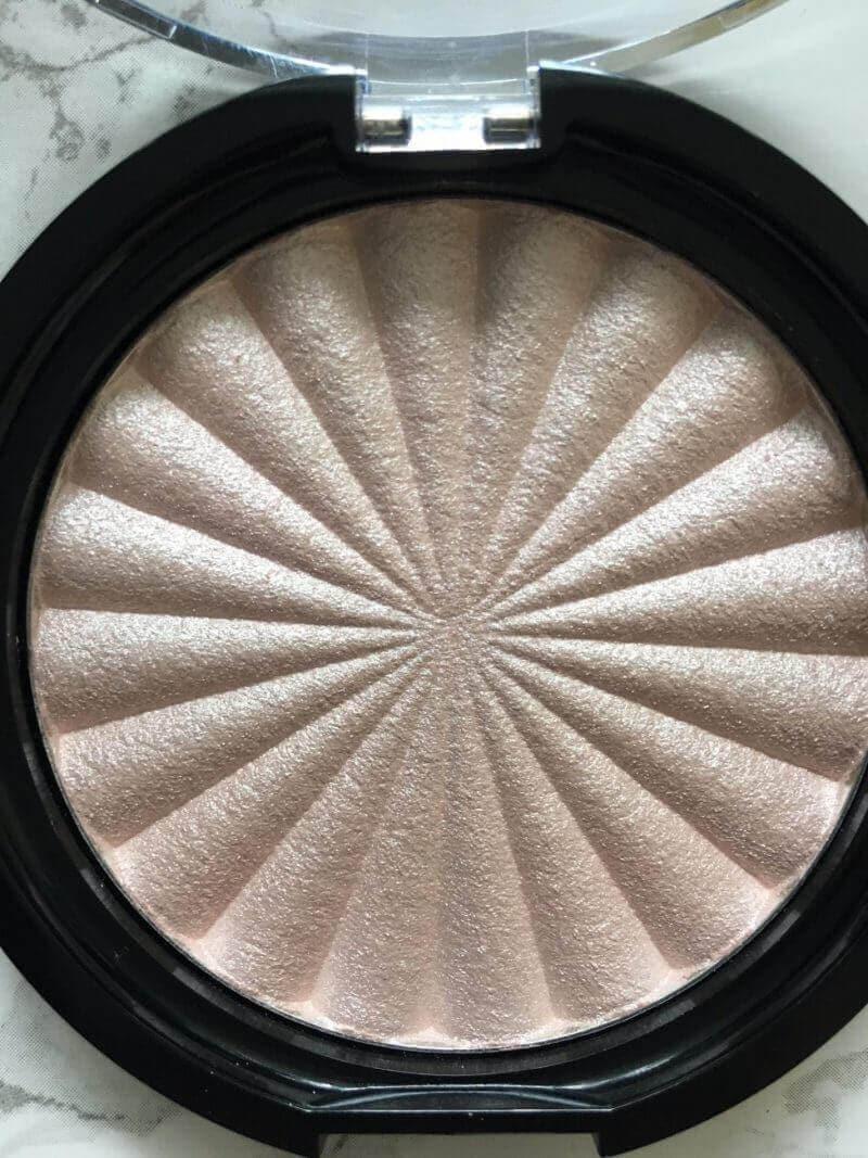 Ofra Cosmetics Pillow Talk Highlighter | Review ⋆ Beautymone