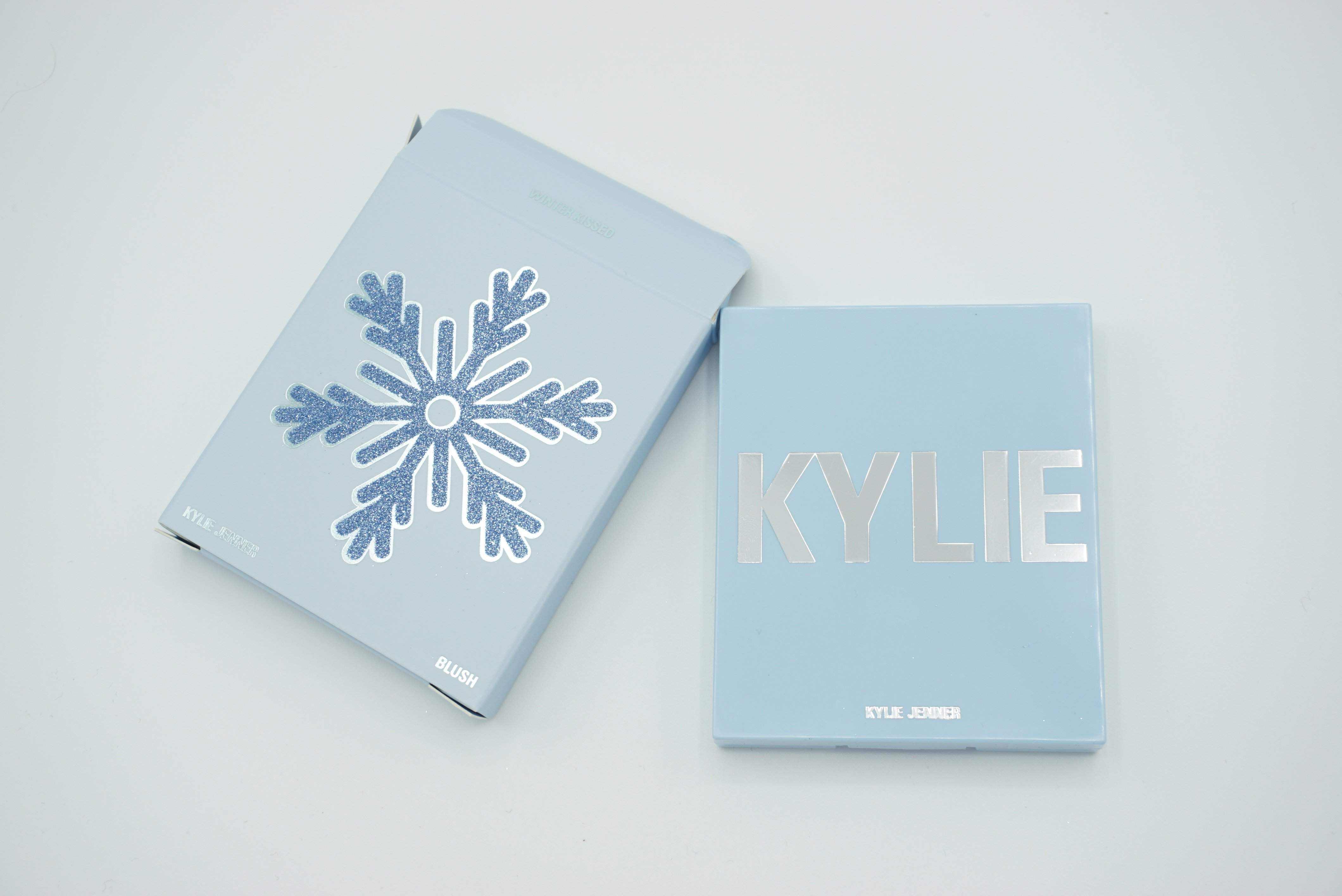 Kylie Cosmetics Holiday 2018 Collection | Review ⋆ Beautymone