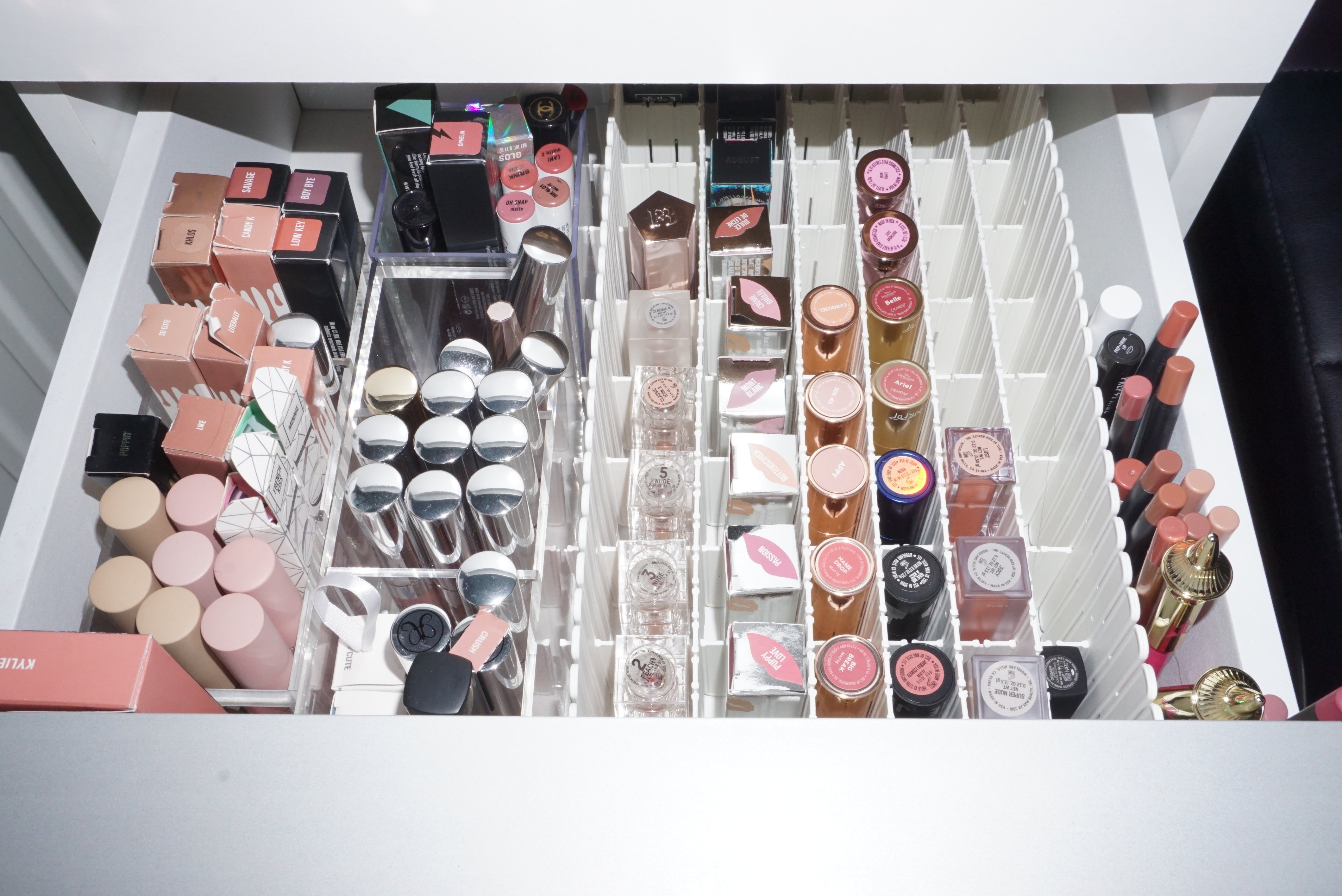 Organizing My Makeup Collection Part 2 | Lipsticks Drawer ⋆ Beautymone