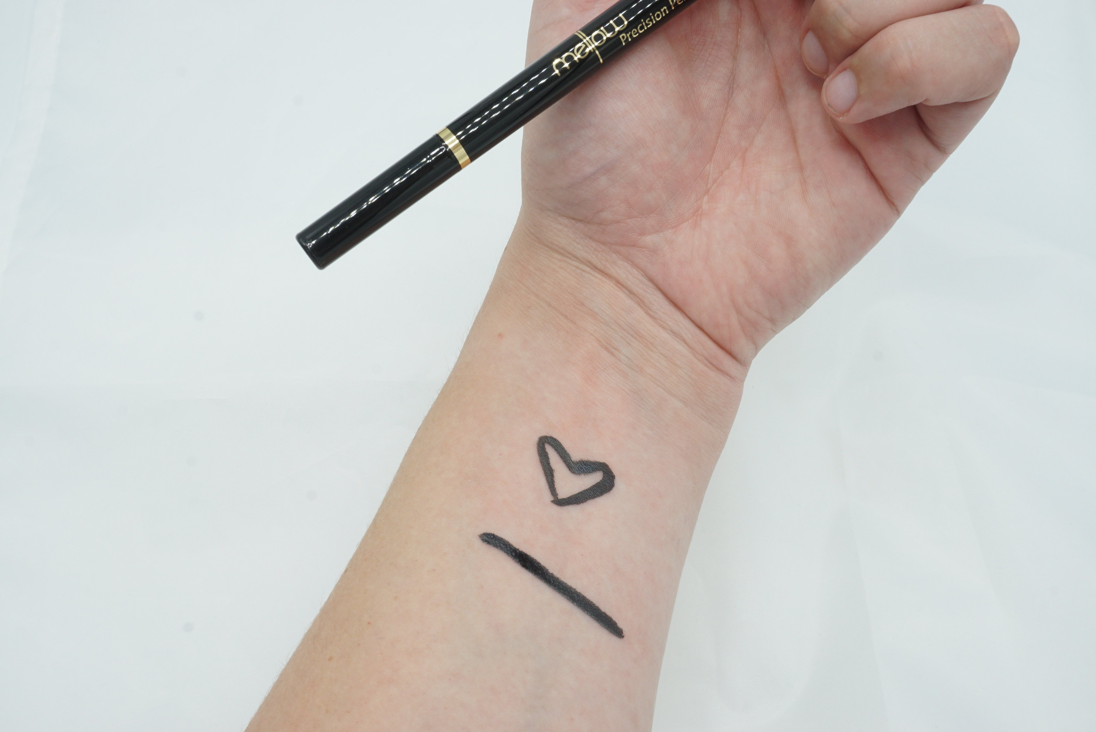 Trying Mellow Cosmetics Products For The First Time | Precision Pen Eyeliner