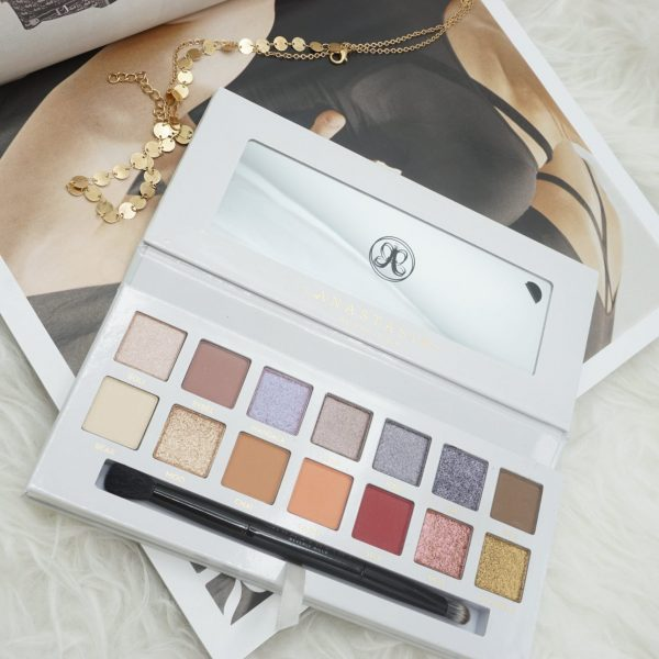 Anastasia Beverly Hills x Carli Bybel Palette | Review & Swatches ⋆ Beautymone