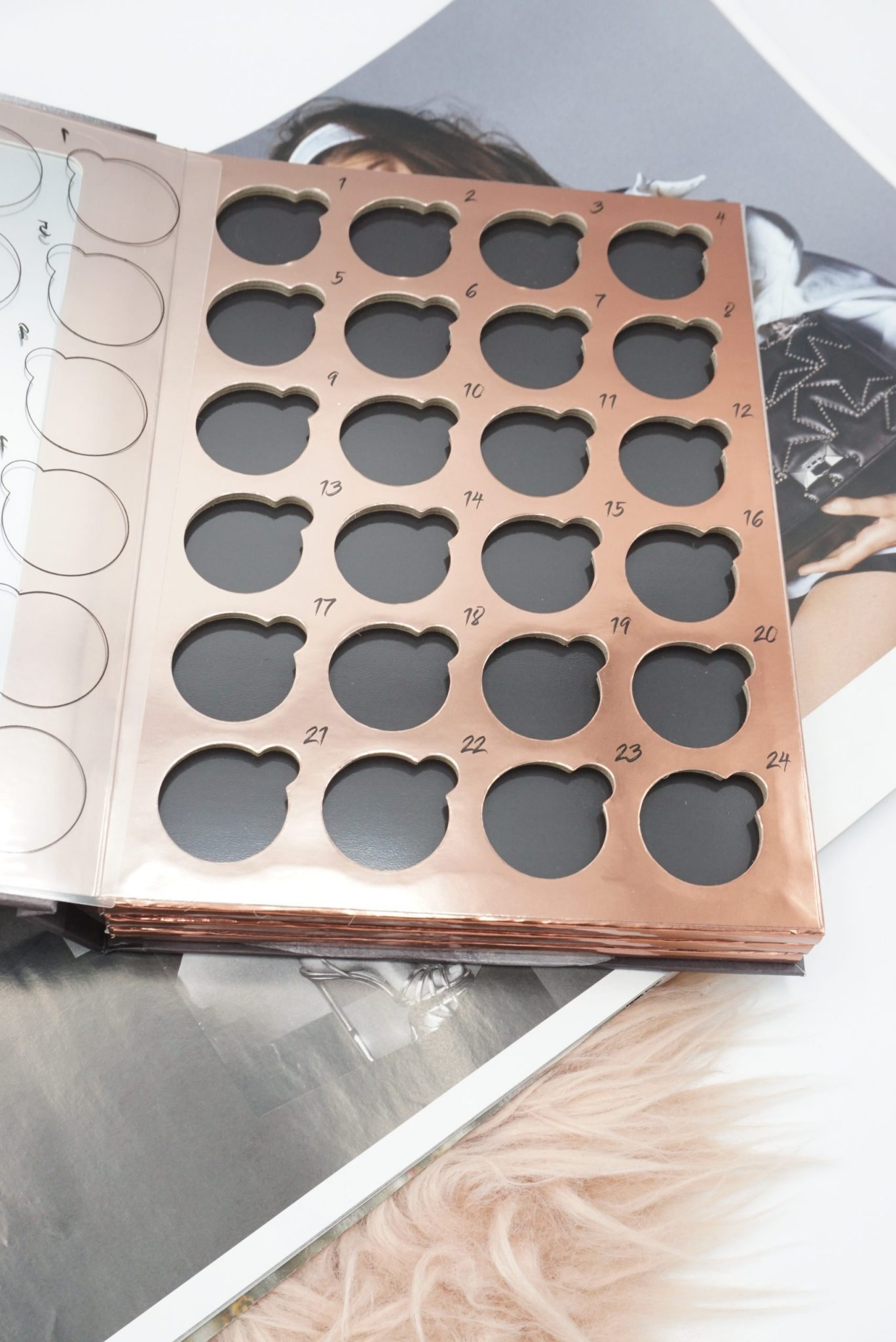 New Coloured Raine Book Of Shades: Store Up to 72 Eyeshadow Singles! ⋆ Beautymone