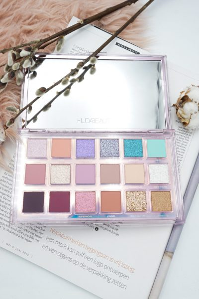 Huda Beauty Mercury Retrograde Eyeshadow Palette Review